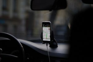 Read more about the article Le support de téléphone pour voiture : très pratique pour s'organiser en voiture